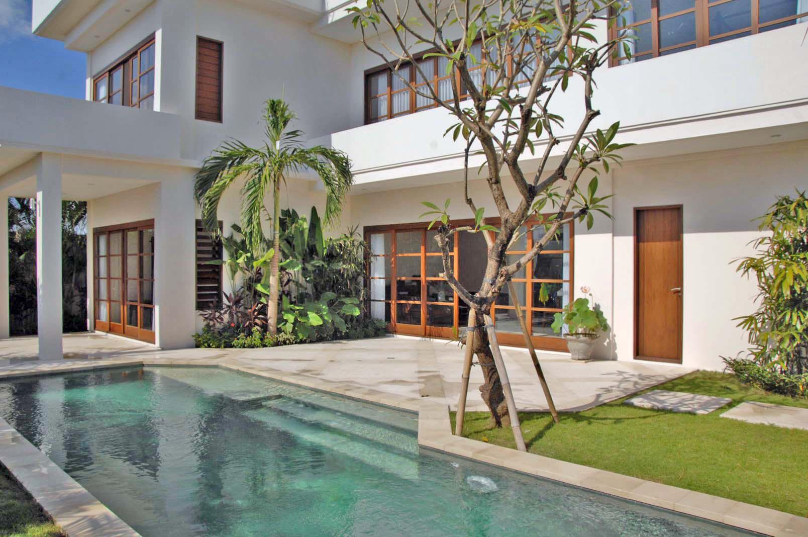 Sunset Villa Canggu   Private Balcony