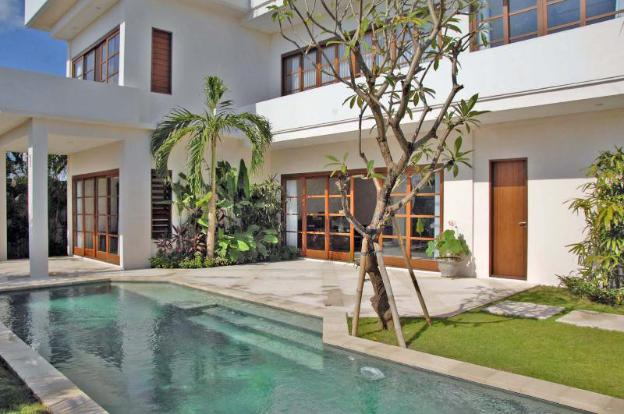 Sunset Villa Canggu - Private Balcony, Pool Views
