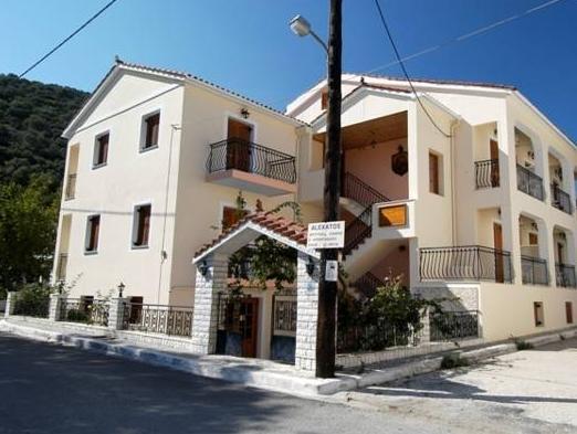 Alexatos Studios And Apartments