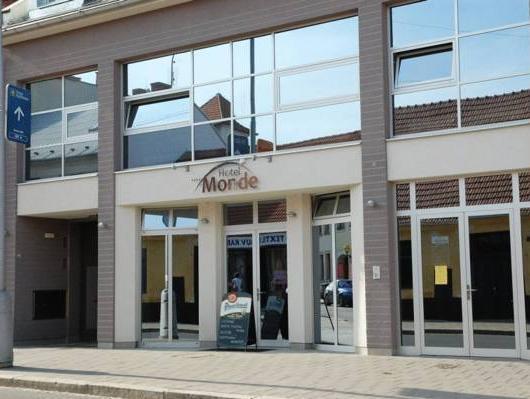 Hotel Monde