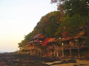 Bamboo Bay Resort แบมบู เบย์ รีสอร์ท