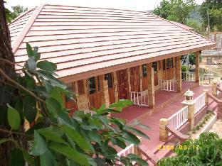 Kayom House - White Meranti House & Resort เรือนกะยอม ไวท์ เมอรัลติ เฮาส์ แอนด์ รีสอร์ท