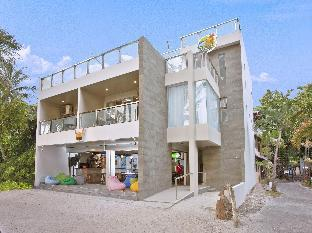 picture 1 of B Pod Hotel