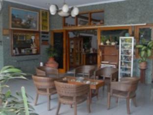 Hotel Taman Sari picture