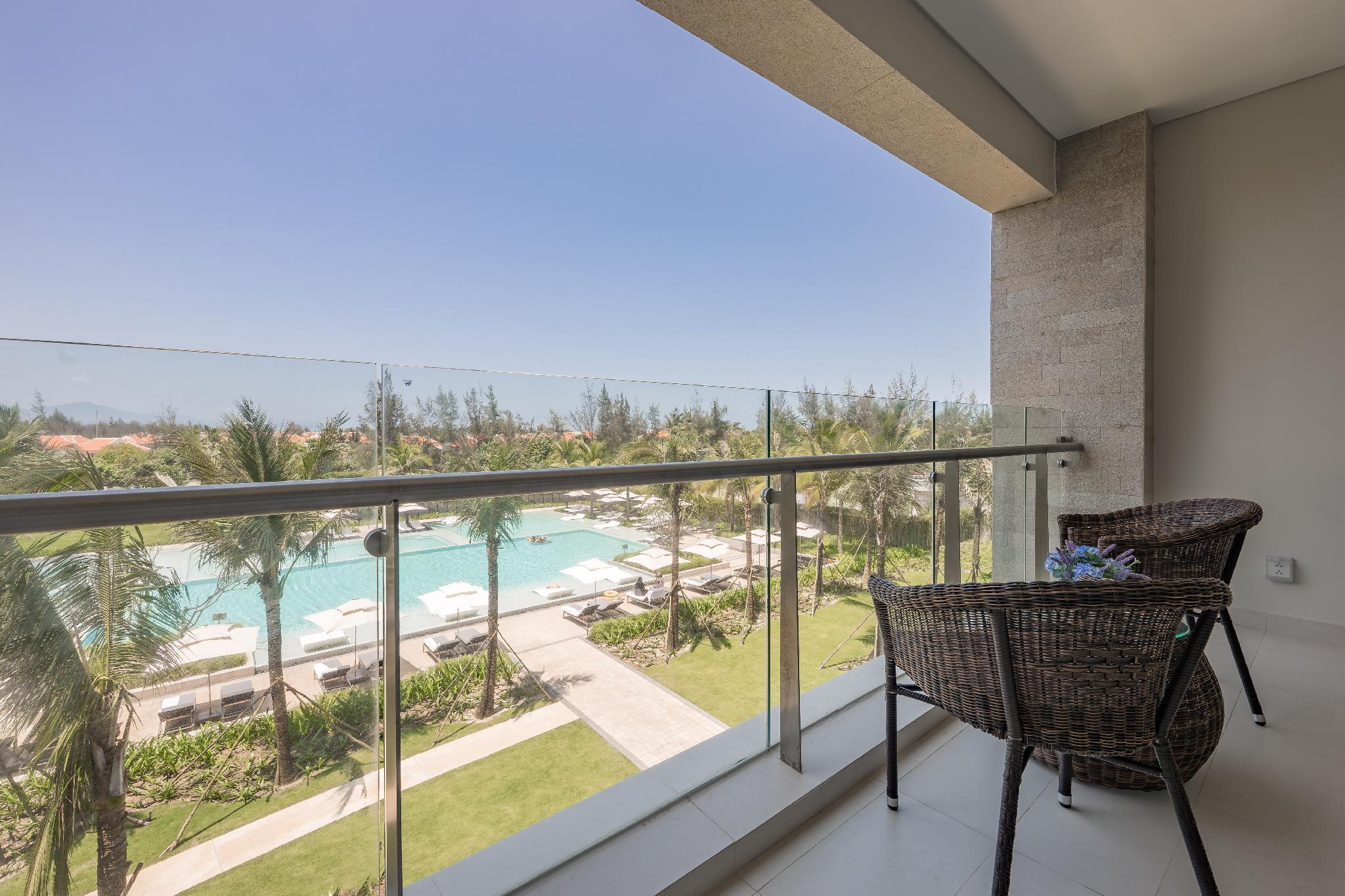 Top Floor Apartment At 5* Ocean Villa Resort  02