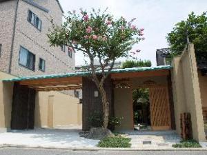 야도야 니시진소 호텔  (Yadoya Nishijinso Hotel)