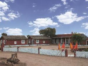Umaid Safaris & Desert Lodge