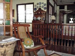 picture 5 of Coco's Garden Guestroom