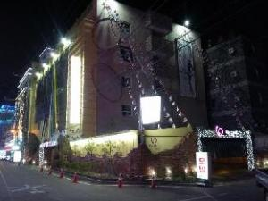 Goodstay Vax Dorocy Hotel