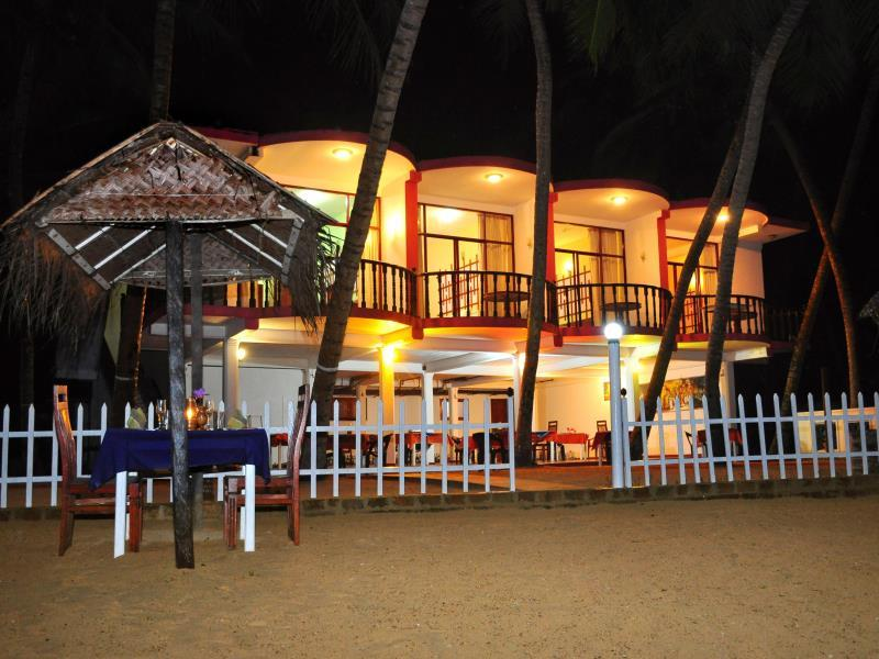 WASANA Beach Hotel And Restaurant