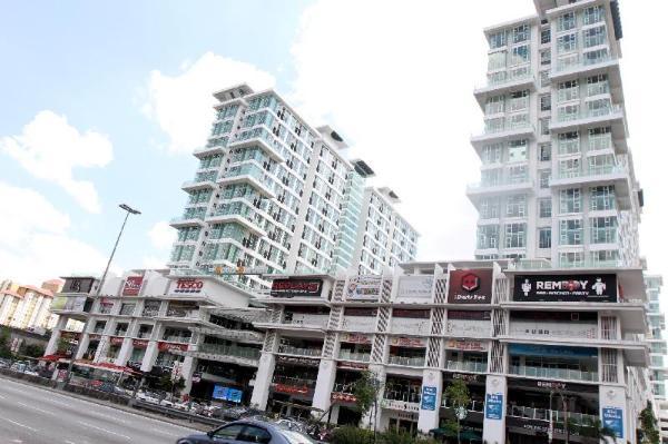 Cozy & Comfort Suite | Pool View | Scott Garden Kuala Lumpur