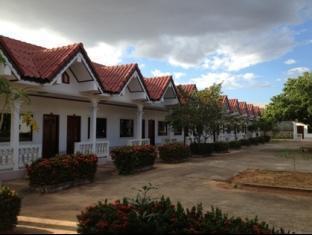 Chansamone Hotel