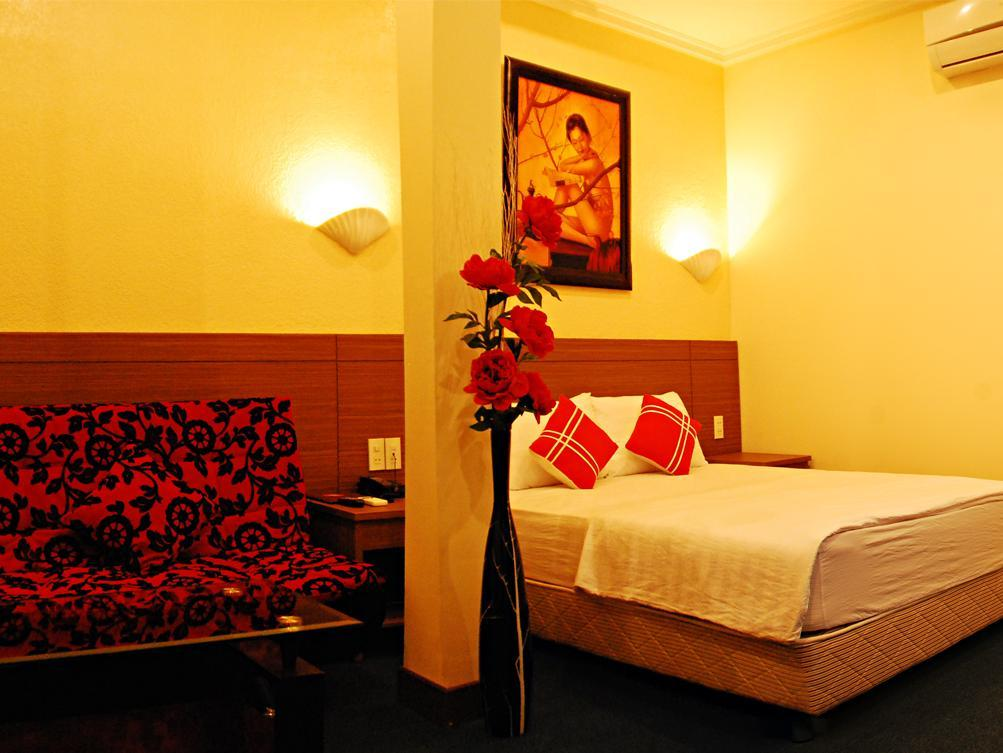 Nhat Quynh Hotel 1