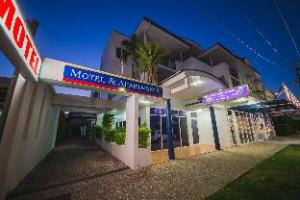Over Cosmopolitan Motel & Serviced Apartments (Cosmopolitan Motel & Serviced Apartments)