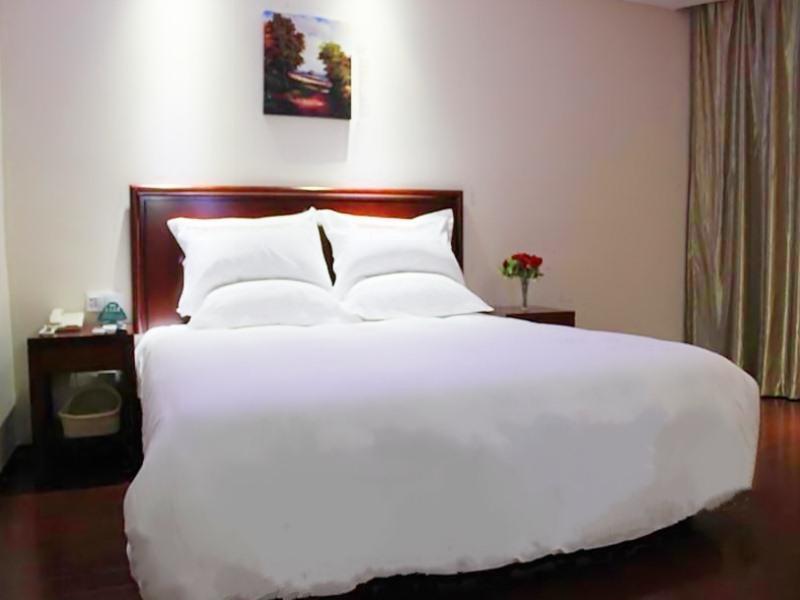 GreenTree Inn Shanghai Jiading Anting Motor City Express Hotel 2
