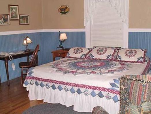 Highland Lake Inn And Resort   Flat Rock