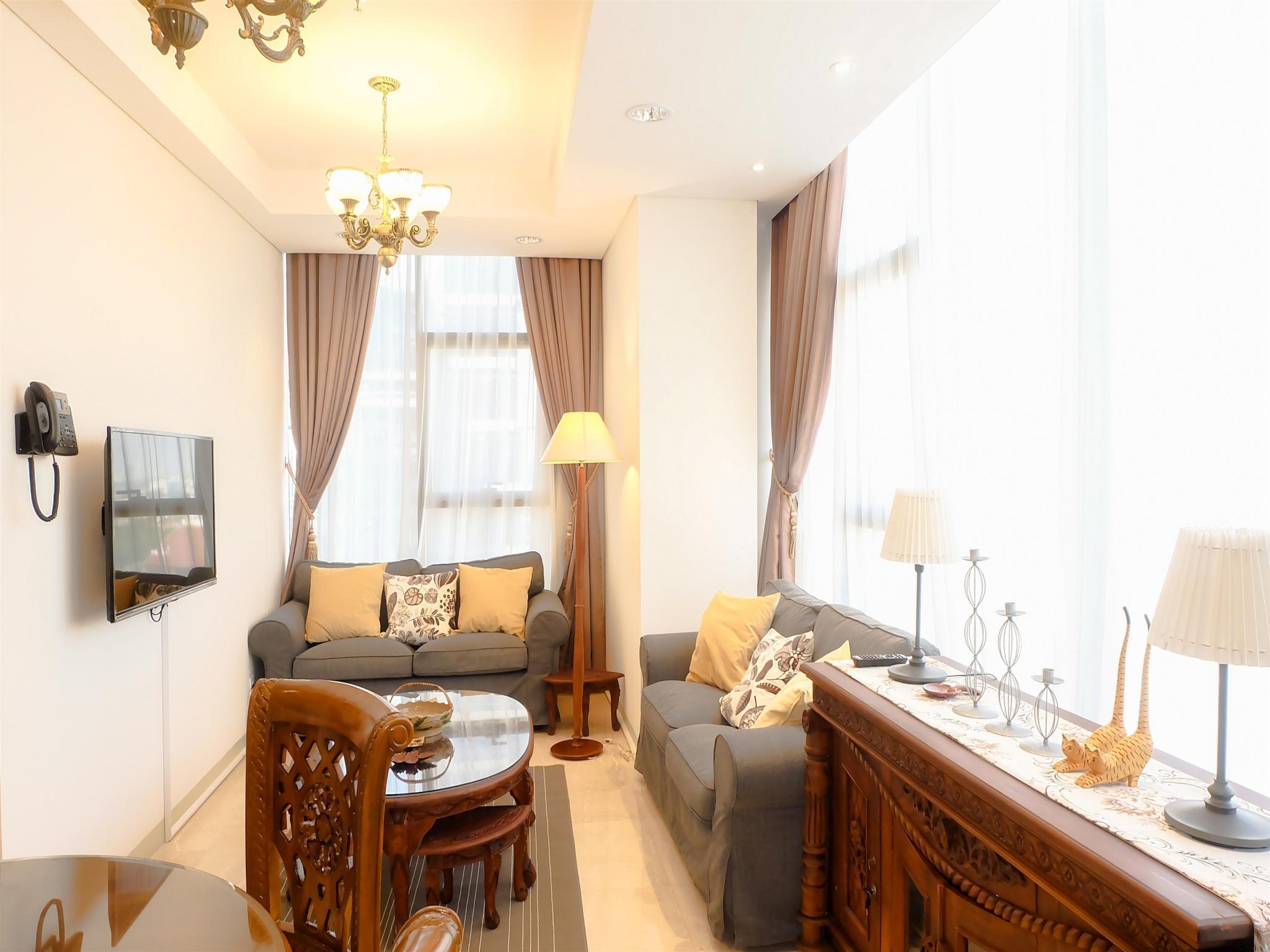 Comfy 2BR L'Avenue Apartment By Travelio