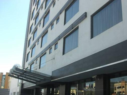 Weston Suites And Hotel