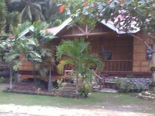 picture 1 of Hilltop Cottage Resort