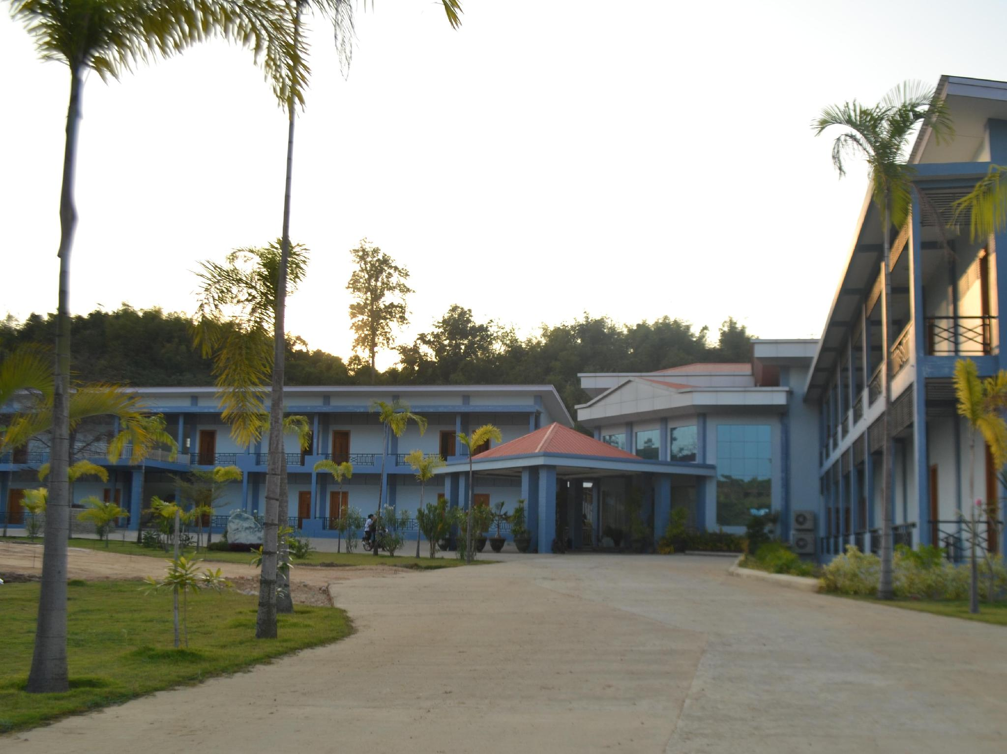 Nandar Thiri Hotel