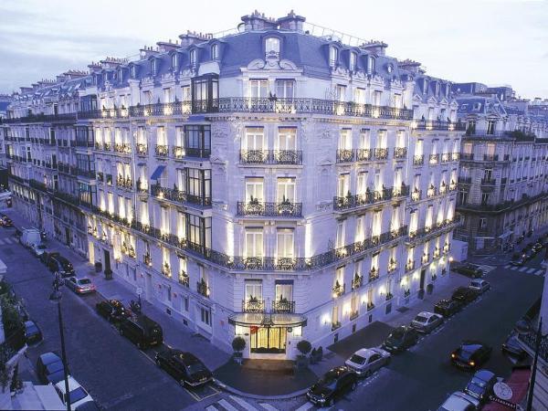 Hotel La Tremoille Paris