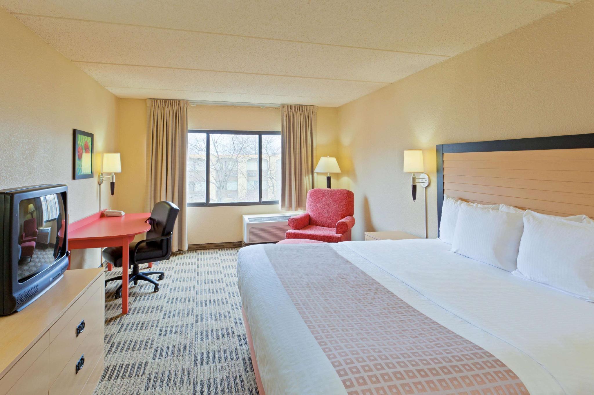 La Quinta Inn & Suites By Wyndham Armonk Westchester