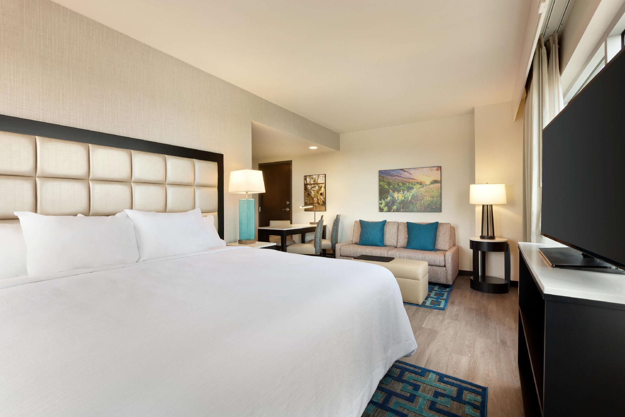 Embassy Suites By Hilton San Antonio Landmark