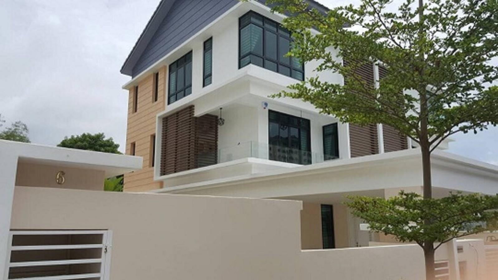 Pearl Residence 3 Storey Semi Detached House.