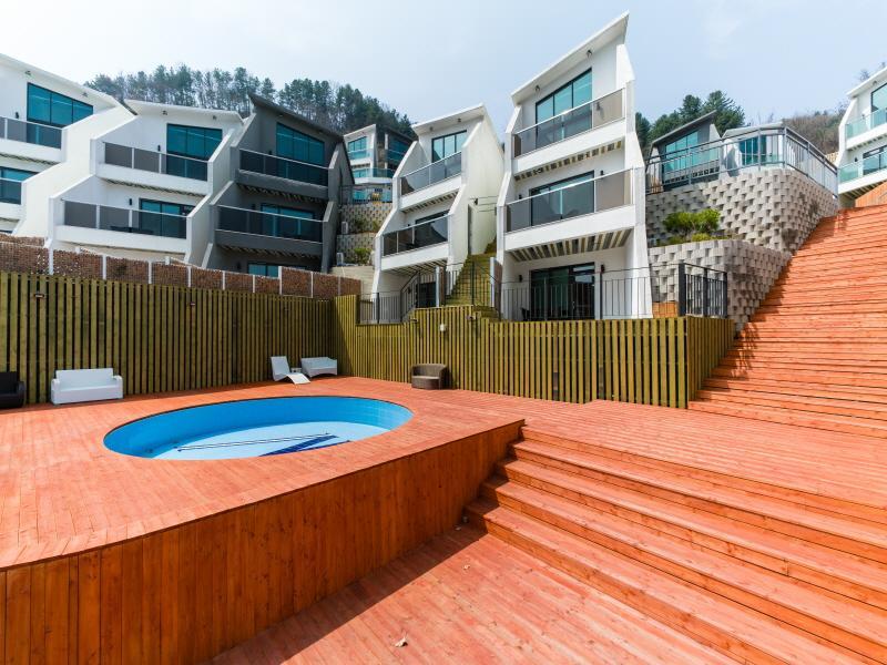 W Jiwoo Resort