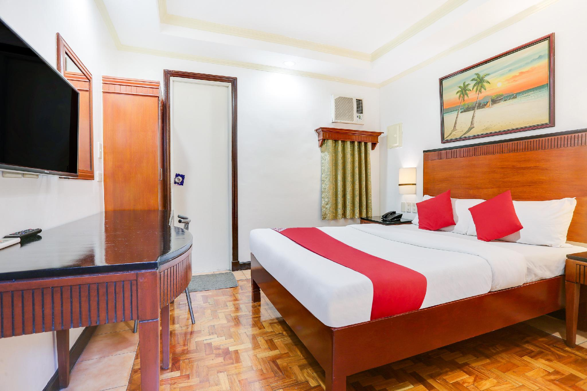 OYO 406 Royal Parc Inn And Suites
