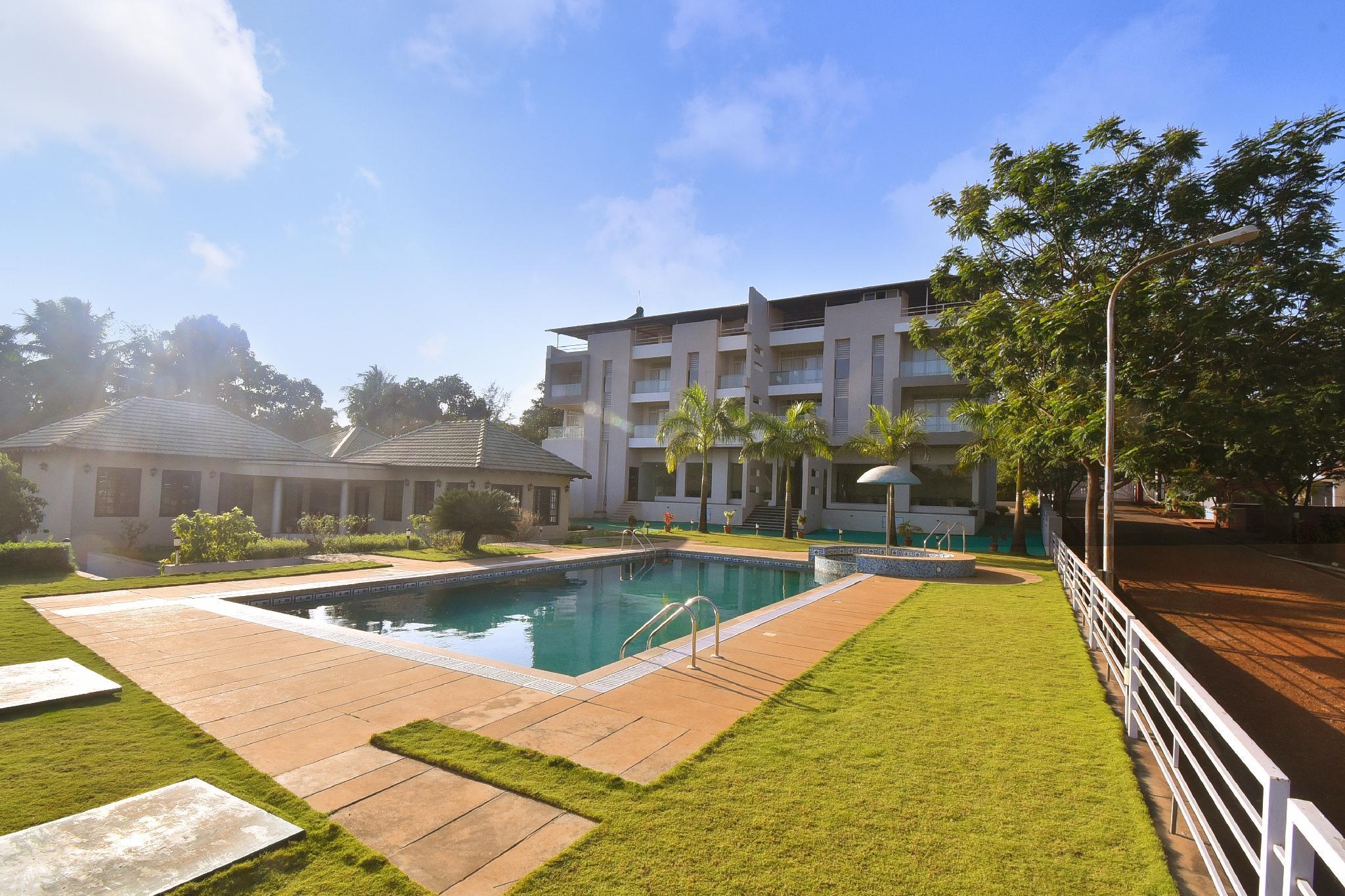Hotel Sadhana Executive  Dapoli