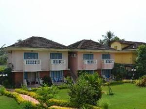 Coconut Grove Hotel