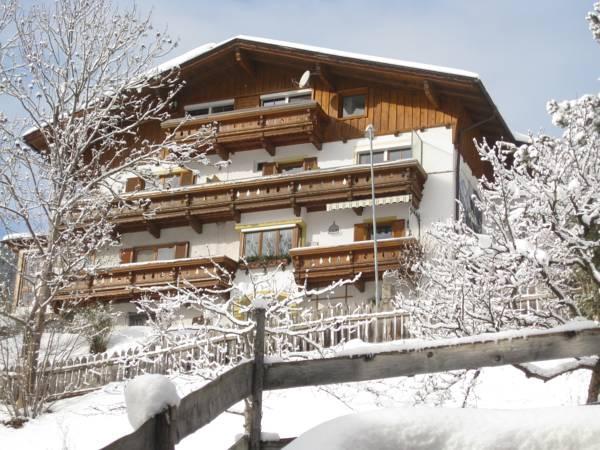 Haus Bergheimat   Familie Oberacher