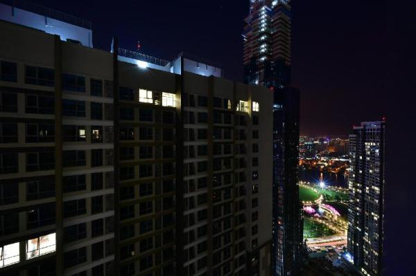 KING ROOM at 45th floor - VINHOMES CENTRAL PARK Ho Chi Minh City