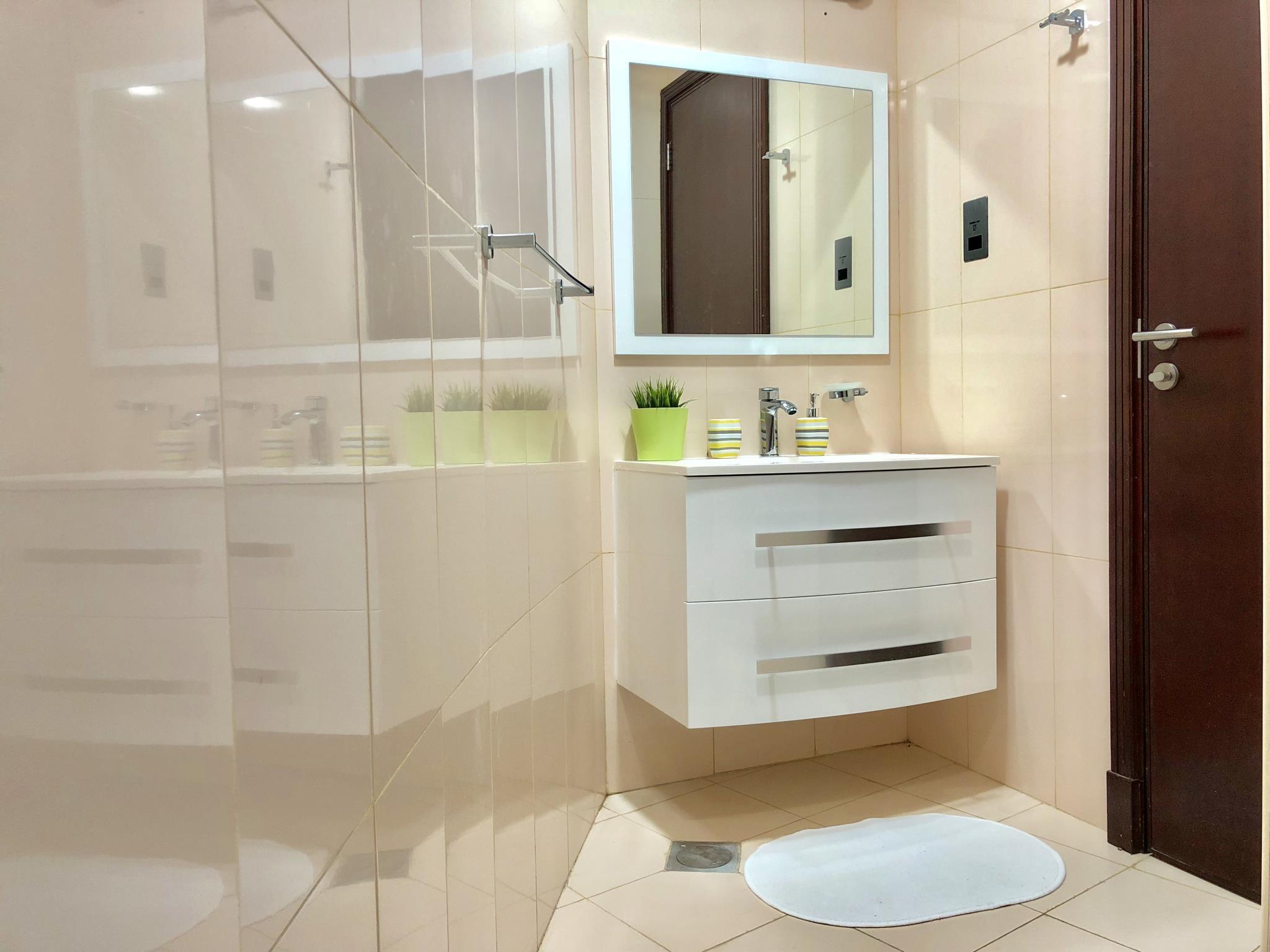 Fabulous Upgraded Apartment In Al Reem Island