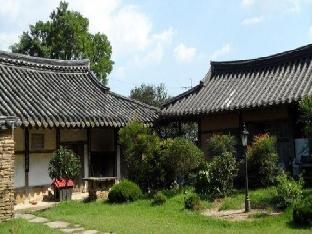 Фото отеля Traditional Noble Choi Old House