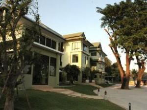 Koh Loi Hotel