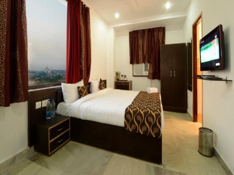 Hotel Taj Galaxy