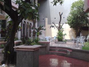 picture 5 of La Residencia Luzviminda Pensionne
