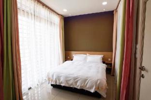 U-ME Suites -3 BRoom Standard Suite with Balcony01 - Malacca