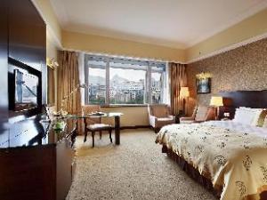 Lijiang Waterfall Hotel