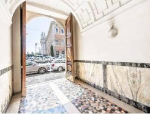 關於拉特拉尼套房 (Laterani Suite)