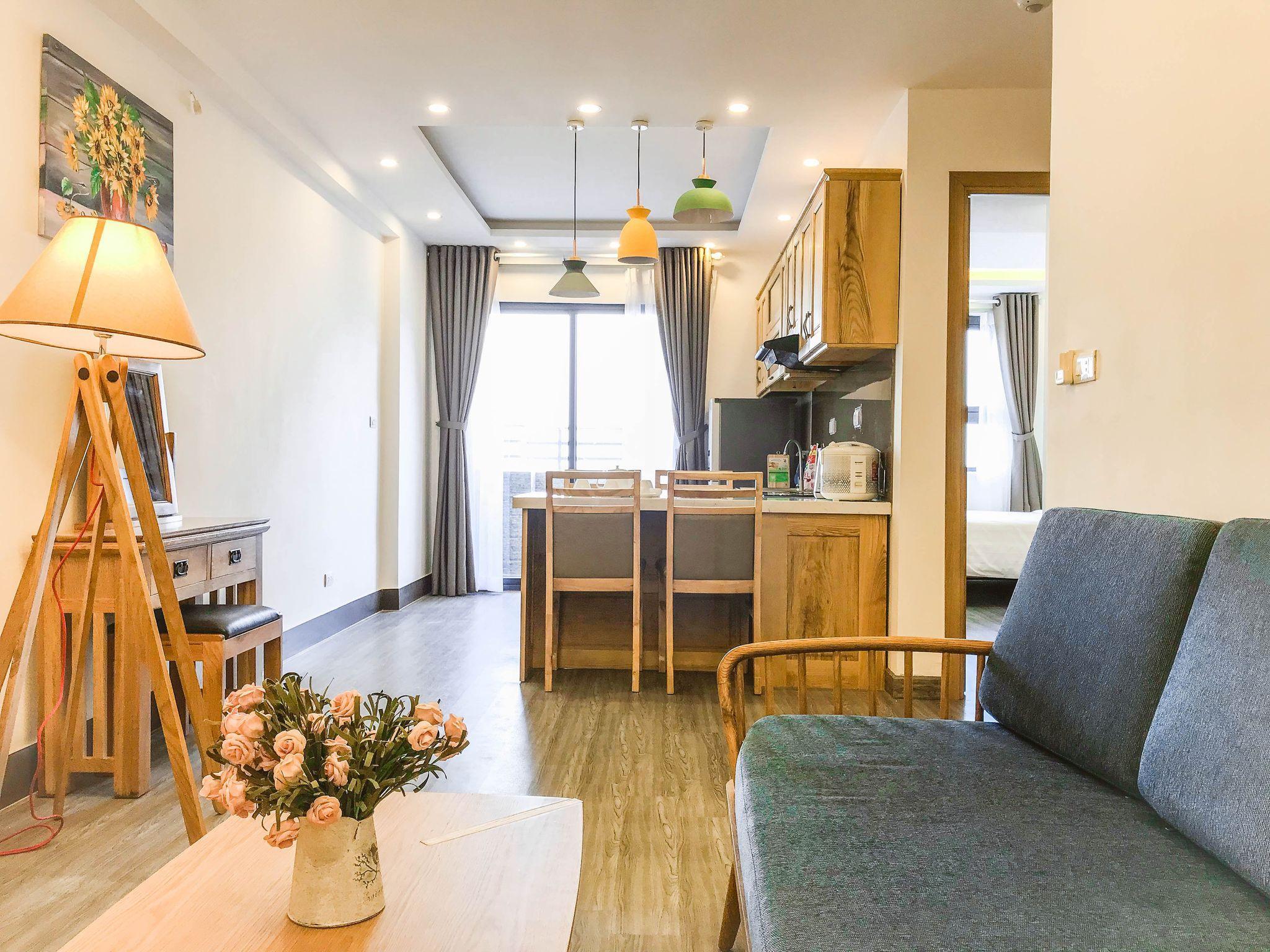2 BR Sea View Apartment. My Khe Beach 35f