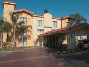 La Quinta Bakersfield Hotel