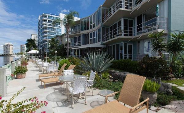 Manhattan Tower Apartment Hotel Fort Lauderdale
