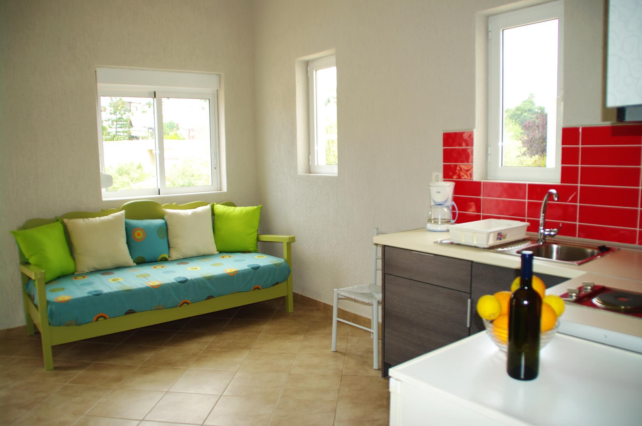 ELEA   Cozy Apartment With Pool Near The Sea