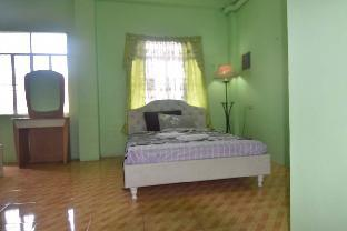picture 2 of Mom's Coron Guesthouse