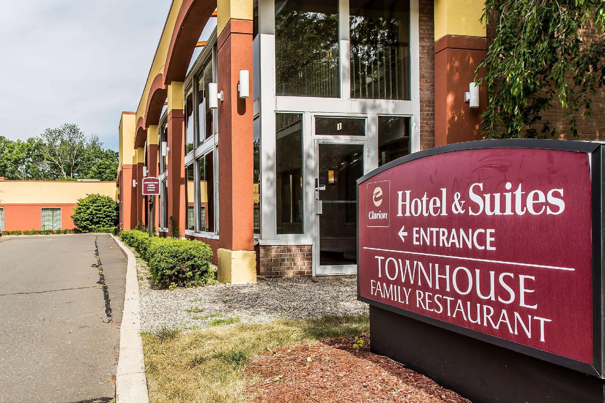 Clarion Hotel And Suites Hamden New Haven