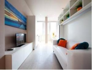 拉法里纳公寓 (La Farina Apartments)