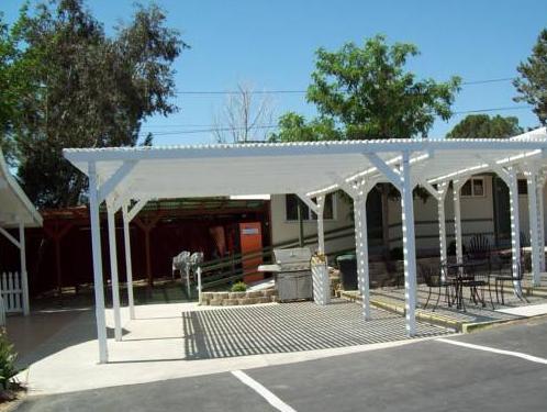 Lakeshore Lodge